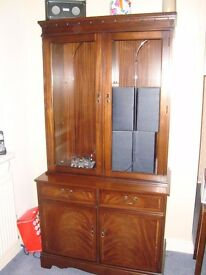 "Strongbow Quality Furniture , 2 piece glass Cabinet.VGC. W36""X H22""X D18""."