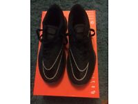 Nike men's training shoes size 6uk, brand new in box
