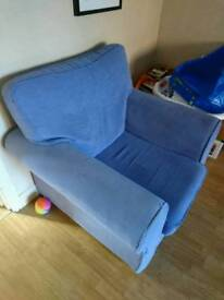 Lilac 2 seater sofa with 2 chairs