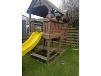 KIDS CLIMBING FRAME FOR FREE BUYER MUST DISMANTLE