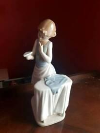 3x vintage lladro figurines.
