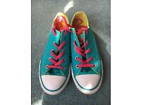 Girls Converse Trainers size 3.5uk
