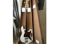 Sire Marcus Miller bass guitar fretless PERFECT AS NEW ONLY A FEW MONTHS OLD