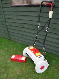 Battery Cylinder mower,2x Battery's.