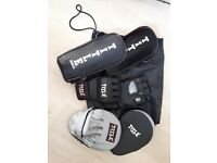 Title MMA gloves and pads set
