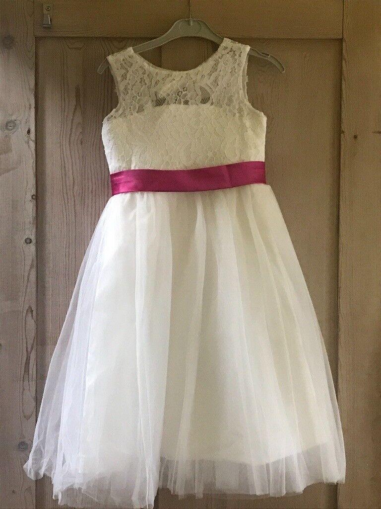6fa7b23f195 2 lovely flower girl dresses
