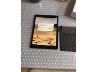 Apple iPad Pro 9.7 inch 32GB in excellent condition
