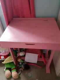 Child's vintage style desk