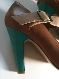 Ladies shoes size 4.5. Mary Jane style. Marks&Spencer