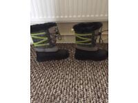 Trespass snow boots size 1