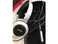 AKG K430 headphones with AKG CARRY CASE