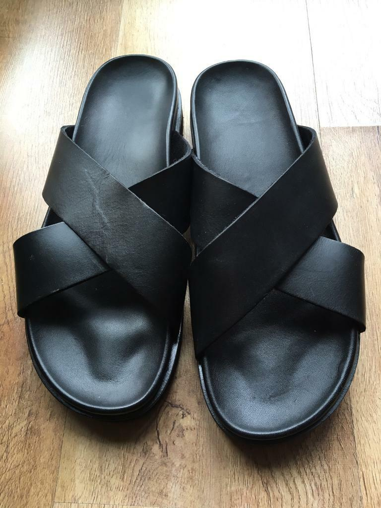 84a4440e9a06 Men s leather sandals size 9 - new with box