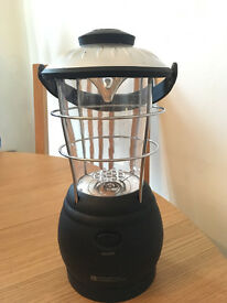 Wind up camping lantern