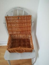 Fortnum and Mason small hamper basket