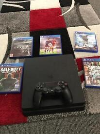 PS4 console slim with 5 games