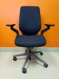 Steelcase Gesture Shell Back in Excellent Condition