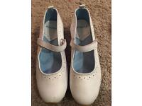 Gola white leather ladies shoe/trainers size 6 - as new