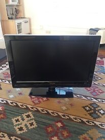 "Philips Ambilight 32"" LCD TV HD ready"
