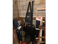 Everlast Boxing stand and punch bag. Incl weights