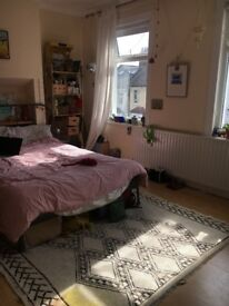 Double bedroom in lewisham for couple, young professional or student. Short let