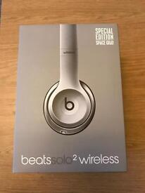 Beats Solo 2 Wireless Headphones Space Grey Special Edition