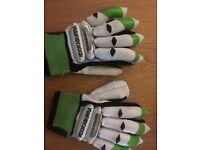 Kookaburra Kahuna Junior Batting Gloves - Right Handed