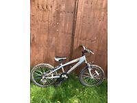 Boys bike -very good condition. Gears .