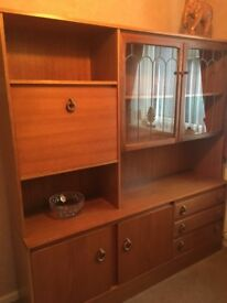 Excellent Condition this teak style unit