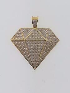 Hip hop diamond pendant in 10kt yellow gold
