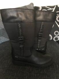 Girls Clark's Gortex boots size 13.5f UNWORN