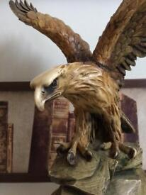 Eagle lamp stand