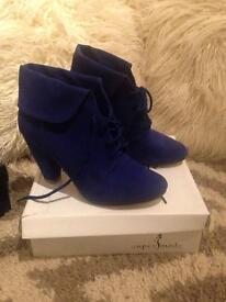Ladies blue boots size 39