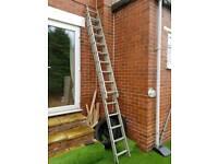 Aluminium extendable ladders