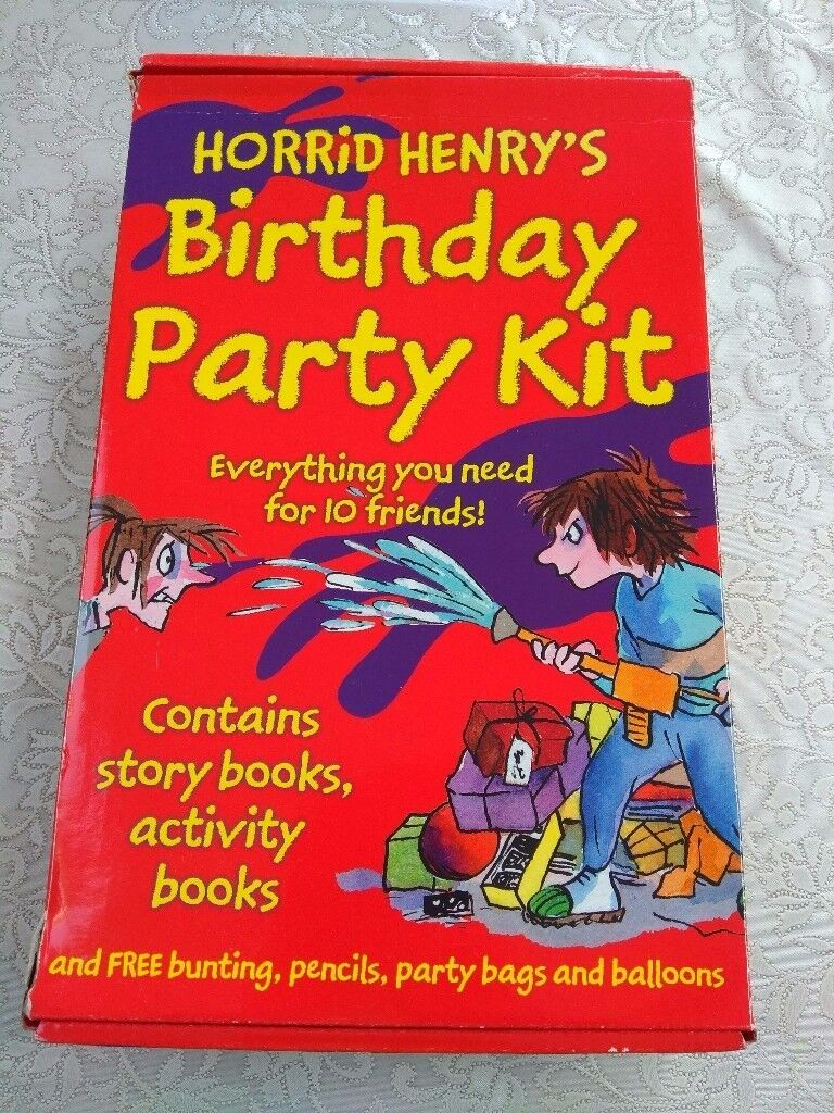 Horrid Henry`s Birthday Party Kit party bags goodies books