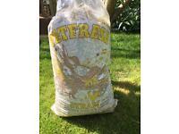 Bag of straw/pet litter