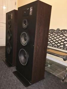 Massive TOTL JBL 4-Way Floorstanding SpeakersJBL940