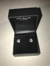 0.75 tcw White Gold Diamond Stud Earrings