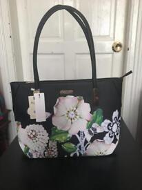 Designer handbags new designs