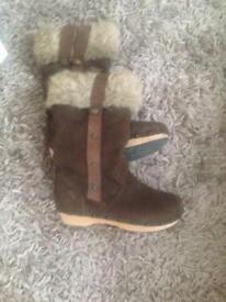 Winter clog boots
