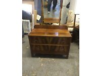 VINTAGE WOODEN SET OF DRAWERS / DRESSING TABLE WITH THREE WAY MIRROR.