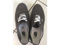 Vans Trainers/Shoes/Pumps - Canvas - Dark Grey - Size 10.5 - VGC