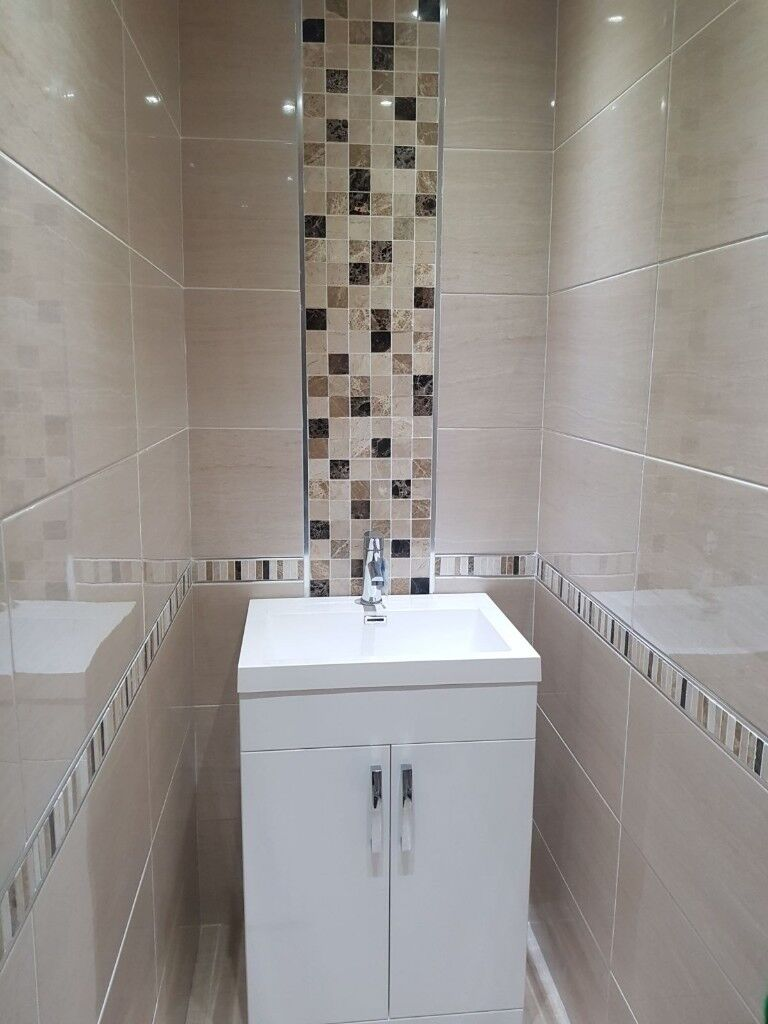 Laura Ashley Tiles >> Glossy cream wall tile. Soft pattern and matching mosaic