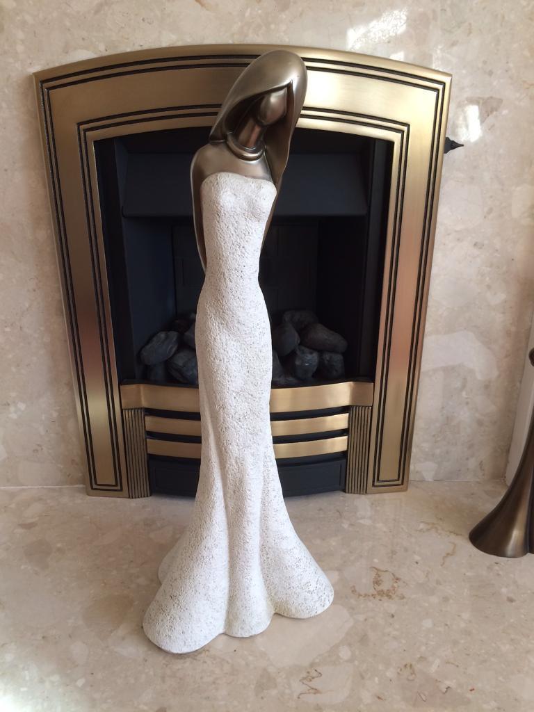 Elegant lady figurine