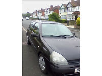 05 reg 1.5 DCi Clio £30 tax loads of MOT