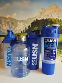 USN Drinking bottles/shakers/jugs