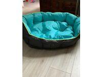 Dog bed.Large 3 Peaks