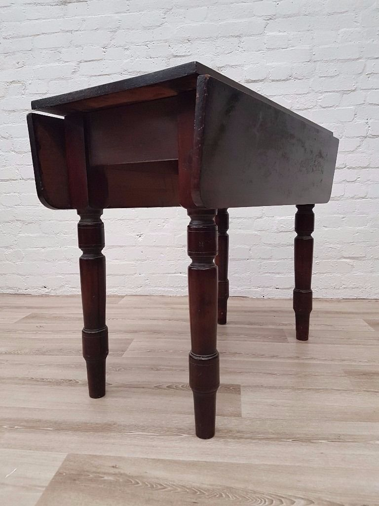 Pembroke Table (DELIVERY AVAILABLE FOR THIS ITEM OF FURNITURE)