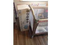 Graco Classic Electra Bassinet Travel Cot Cream & Floral Pink GIRLS – As New Boxed