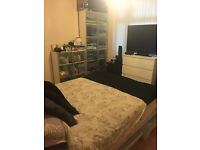 Large double room to rent with private balcony in house share in great location!