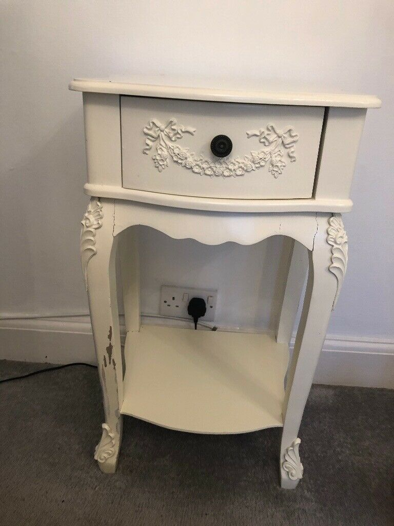 Picture of: Shabby Chic Bedside Table In Melbourn Cambridgeshire Gumtree